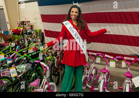 Fort Bragg, NC, USA. 1st Dec, 2017. Dec. 1, 2017 - FORT BRAGG, N.C., USA - Miss North Carolina, Victoria Huggins - Stock Photo