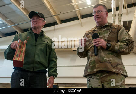 Fort Bragg, NC, USA. 1st Dec, 2017. Dec. 1, 2017 - FORT BRAGG, N.C., USA - Maj. Gen. Darrell Guthrie, right, U.S. - Stock Photo