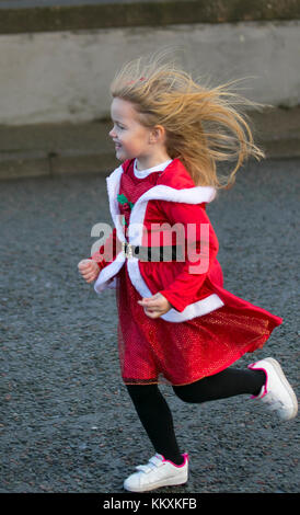 Liverpool, Merseyside, UK  3th December, 2017. The BTR Liverpool  Santa Dash course starts and finishes in Liverpool - Stock Photo