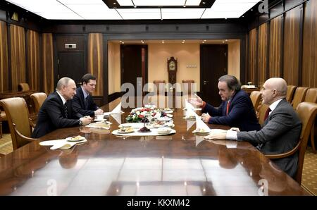 American journalist and director Oliver Stone, right, during a meeting with Russian President Vladimir Putin at - Stock Photo