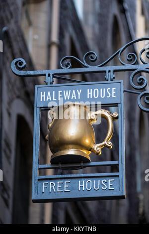 Pub sign on  historic Fleshmarket Close in Old Town of Edinburgh, Scotland, United Kingdom - Stock Photo
