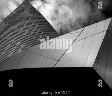 Daniel Liebskind's Imperial War Museum North, Salford Quays, Manchester. - Stock Photo