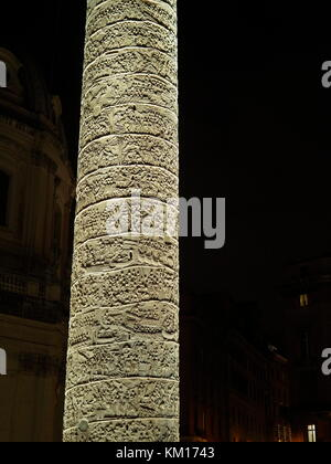 AJAXNETPHOTO. 2015. ROME, ITALY. - ROMAN RUINS - TRAJAN'S COLUMN AND ITS 260 M LONG HELICOIDAL FRIEZE LOCATED NEAR THE PIAZZO FORO DEL TRAIANO.  PHOTO:JONATHAN EASTLAND/AJAX REF:GXR151012_5700 Stock Photo