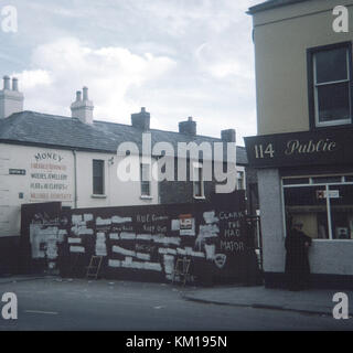 barricades on panton street put up on the edge of catholic areas to protect from protestant loyalist attack on the - Stock Photo