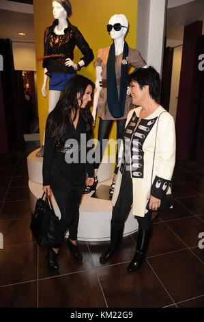 Kris Jenner Reggie Bush And Kim Kardashian Khloe Kardashian Stock Photo 36213536 Alamy