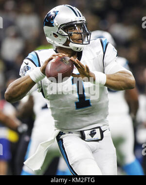 New Orleans, LOUISIANA, USA. 3rd Dec, 2017. Carolina Panthers quarterback Cam Newton looks to pass against the New - Stock Photo