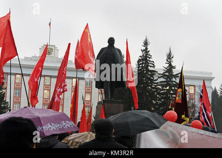 celebration of the great October revolution. The traditional demonstration on 7 November. Many people gathered at - Stock Photo