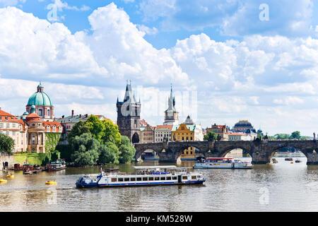 Charles bridge, Moldau river, Lesser Town, Prague (UNESCO), Czech republic / Karlův most, řeka Vltava, Staré město - Stock Photo