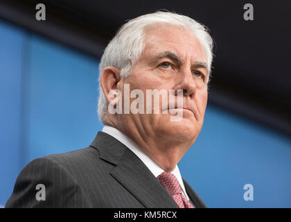 Brussel, Belgium. 05th Dec, 2017. US Secretary of State Rex Tillerson and the EU High Representative of the Union - Stock Photo