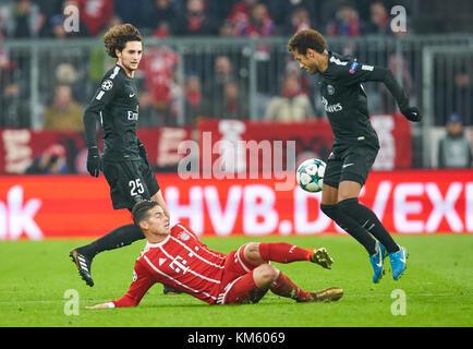 Munich, Germany. 05th Dec, 2017. FC Bayern Munich Soccer, Munich, December 05, 2017 James RODRIGUEZ, FCB 11 compete - Stock Photo