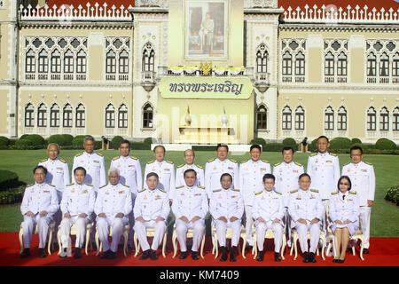 Bangkok, Thailand. 04th Dec, 2017. Thailand's junta chief and prime minister Prayut Chan-O-Cha (5th from L, 1st - Stock Photo