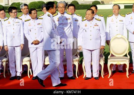 Bangkok, Thailand. 04th Dec, 2017. Thailand's junta chief and prime minister Prayut Chan-O-Cha (C) arrives for a - Stock Photo
