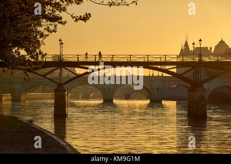 Sunrise over the Pont des Arts, Pont Neuf and the Seine River banks. Ile de la Cite, 1st Arrondissement, Paris, - Stock Photo