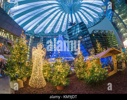 Christmas market at Sony Center, Potsdamer Platz, Berlin - Stock Photo