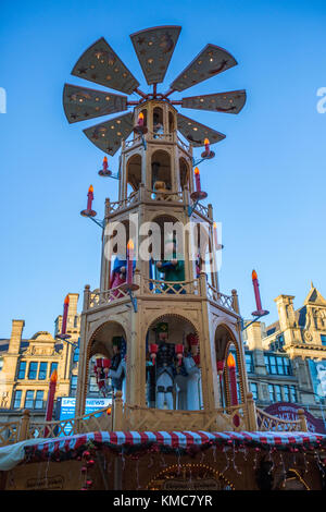 Christmas Market near the Town Hall in Albert Square in the city of Manchester in the northwest of England. - Stock Photo