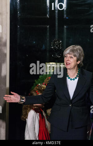 London, UK. 6th December, 2017. Prime Minister Theresa May attends the lighting of the Downing Street Christmas - Stock Photo
