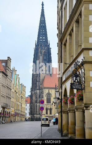 The town of Münster (Westfalen, Germany): Prinzipalmarkt and the church of St. Lamberti - Stock Photo