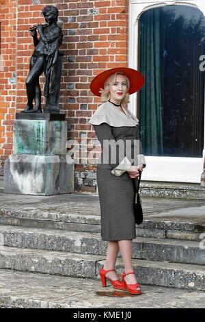 Mis Marina Mae - 1940s & Vintage Vocalist in bygone era attire - Stock Photo