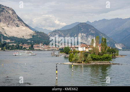 The only one of the three Borromean islands that is not owned by the royal Borromeo family, is the charming and - Stock Photo