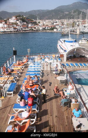 Holiday Makers At Sea On The P And O Cruise Ship Oceana