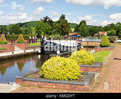 Hambleden Lock on the River Thames with narrowboat waiting to pass through - Stock Photo