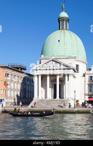 The Neoclassical church of San Simeon Piccolo, Grand Canal,  Sante Croce, Venice, Italy   erected in 1738 by Giovanni - Stock Photo