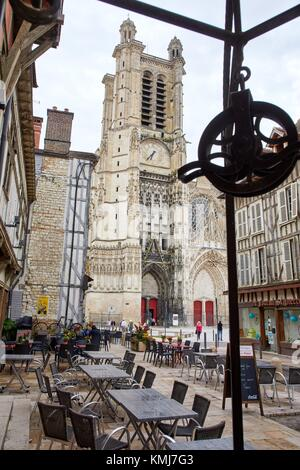 Cathedrale Saint-Pierre Saint-Paul, Troyes, Champagne-Ardenne Region, Aube Department, France, Europe - Stock Photo