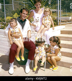 PAT BOONE US singer and film actor with his wife Shirley and their daughters about 1957 - Stock Photo