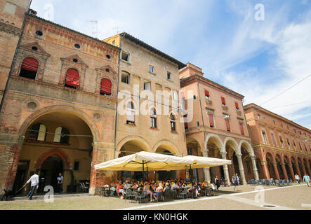 Portica of the Corte Isolano, one of the prime examples of Roman-Gothic architecture in Bologna, Italy. - Stock Photo