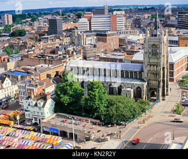 Norwich Market and St. Peter Mancroft Church, Norwich. Norfolk, England, United Kingdom - Stock Photo