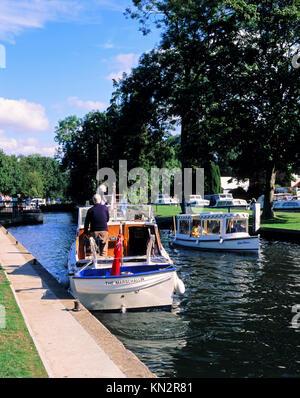 Temple Lock, River Thames, Buckinghamshire, Great Britain - Stock Photo