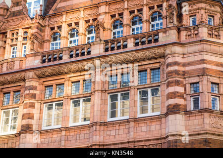 Former Ludgate Hill Branch of the City Bank, 45-47 Ludgate Hill, City of London, by Thomas Edward Collcutt 1891 - Stock Photo