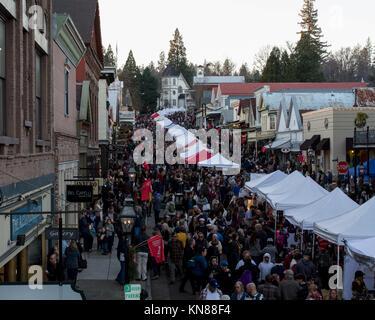 Victorian Christmas Nevada City.Nevada City California Usa 10 December 2017 Entertainer