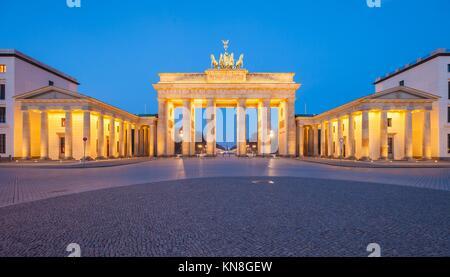 Berlin's Brandenburg Gate (Brandenburger Tor) at dusk. - Stock Photo