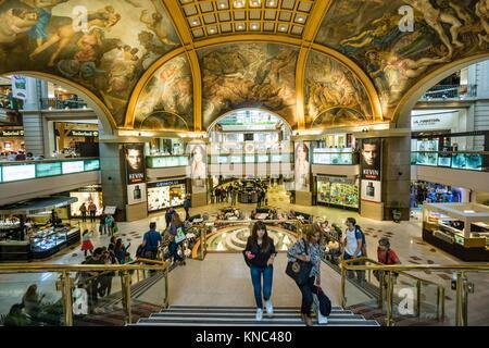 galerias Pacifico, obra del ingeniero Emilio Agrelo y el arquitecto parmesano Roland Le Vacher, Frescos en la cúpula - Stock Photo