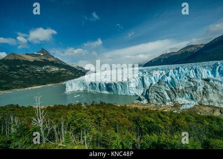 glaciar Perito Moreno, Parque Nacional Los Glaciares, departamento Lago Argentino, provincia de Santa Cruz, Patagonia, - Stock Photo