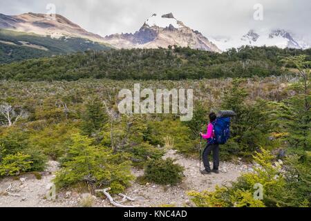 senda de las lagunas Madre e Hija, parque nacional Los Glaciares, Patagonia, Argentina. - Stock Photo