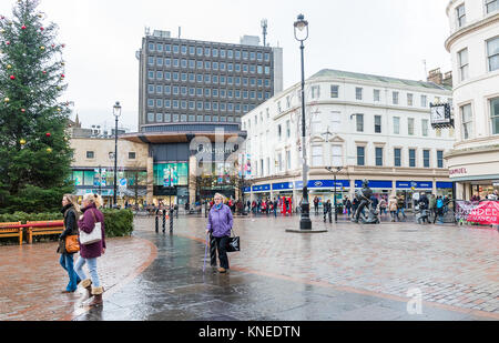 Dundee,Scotland,UK-Dercember 05,2017: The city centre of Dundee with people going about their christmas shopping, - Stock Photo