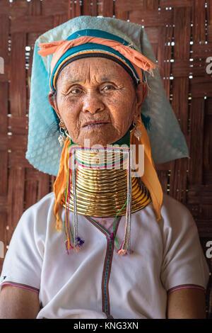 Padaung woman, Inle Lake, Nyaung Shwe, Myanmar, Asia