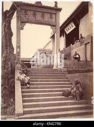 Beggars at the Gate of a Temple, Canton. Artist: Attributed to John Thomson (British, Edinburgh, Scotland 1837-1921 - Stock Photo