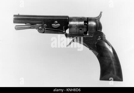 Colt Paterson Pocket Percussion Revolver, Fourth Ehlers Model, serial no. 152, with Case and Accessories. Manufacturer: - Stock Photo