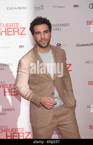 Munich, Germany. 11th Dec, 2017. Actor Elyas M'Barek arriving to the wold premiere of 'Dieses bescheuerte Herz' - Stock Photo