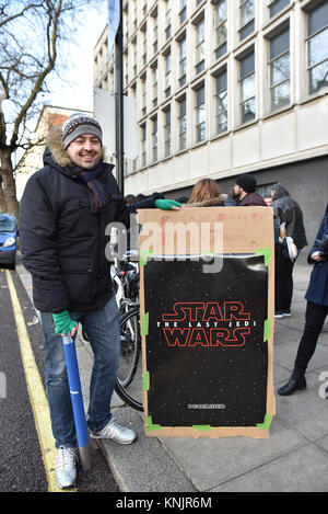 South Kensington, London, UK. 12th Dec, 2017. Fans queuing for tonight's European premiere of Star Wars: The Last - Stock Photo