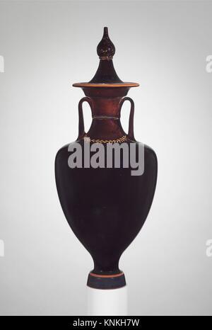 Terracotta amphora with lid (jar). Period: Late Classical; Date: 4th century B.C; Culture: Greek, Attic; Medium: - Stock Photo