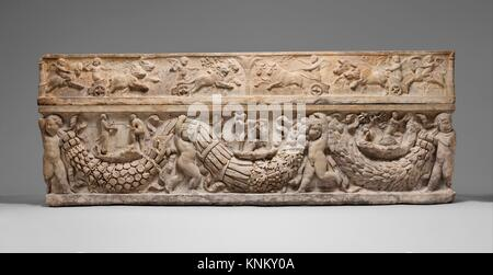 Marble sarcophagus with garlands and the myth of Theseus and Ariadne. Period: Hadrianic or early Antonine; Date: - Stock Photo