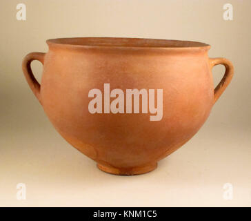 Skyphos. Culture: East Greek/Sardis, Lydian; Medium: Terracotta; Dimensions: 6 11/16 x 10 3/4in. (17 x 27.3cm); - Stock Photo