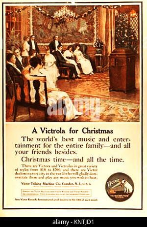 Christmas 1914.An advert for Victrola entertainment  and music centre (radiogram)  by the  Victor Talking Machine - Stock Photo