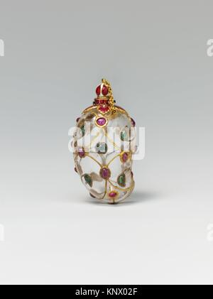 Mango-Shaped Flask. Object Name: Flask; Date: mid-17th century; Geography: Attributed to India; Medium: Rock crystal; - Stock Photo