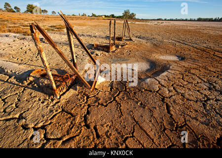Dry and cracking mud in Lake Hawthorn near Mildura. Lake Hawthorn, a popular sailing and water sports lake has by - Stock Photo