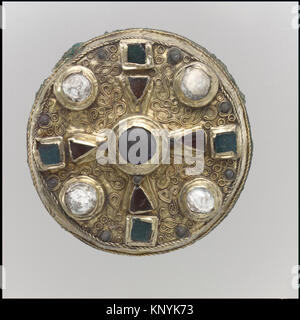 Disk Brooch MET dp30493 465778 Frankish, Disk Brooch, late 7th century, Gold sheet with copper alloy backing, and - Stock Photo